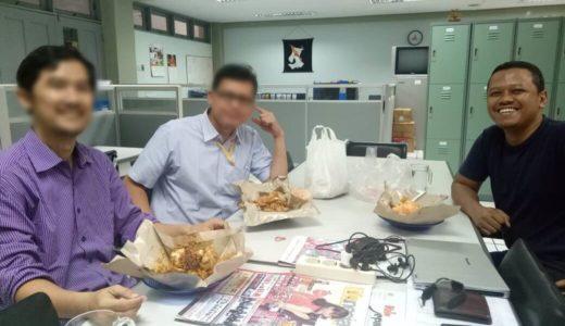 Hari ke-46. Ditraktir teman kantor dan ketagihan Nasi Lengko
